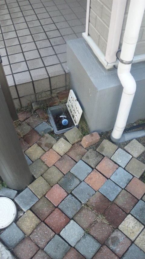 散水→水栓柱
