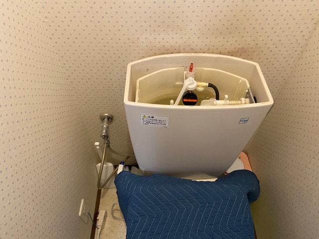 トイレのタンク内修理